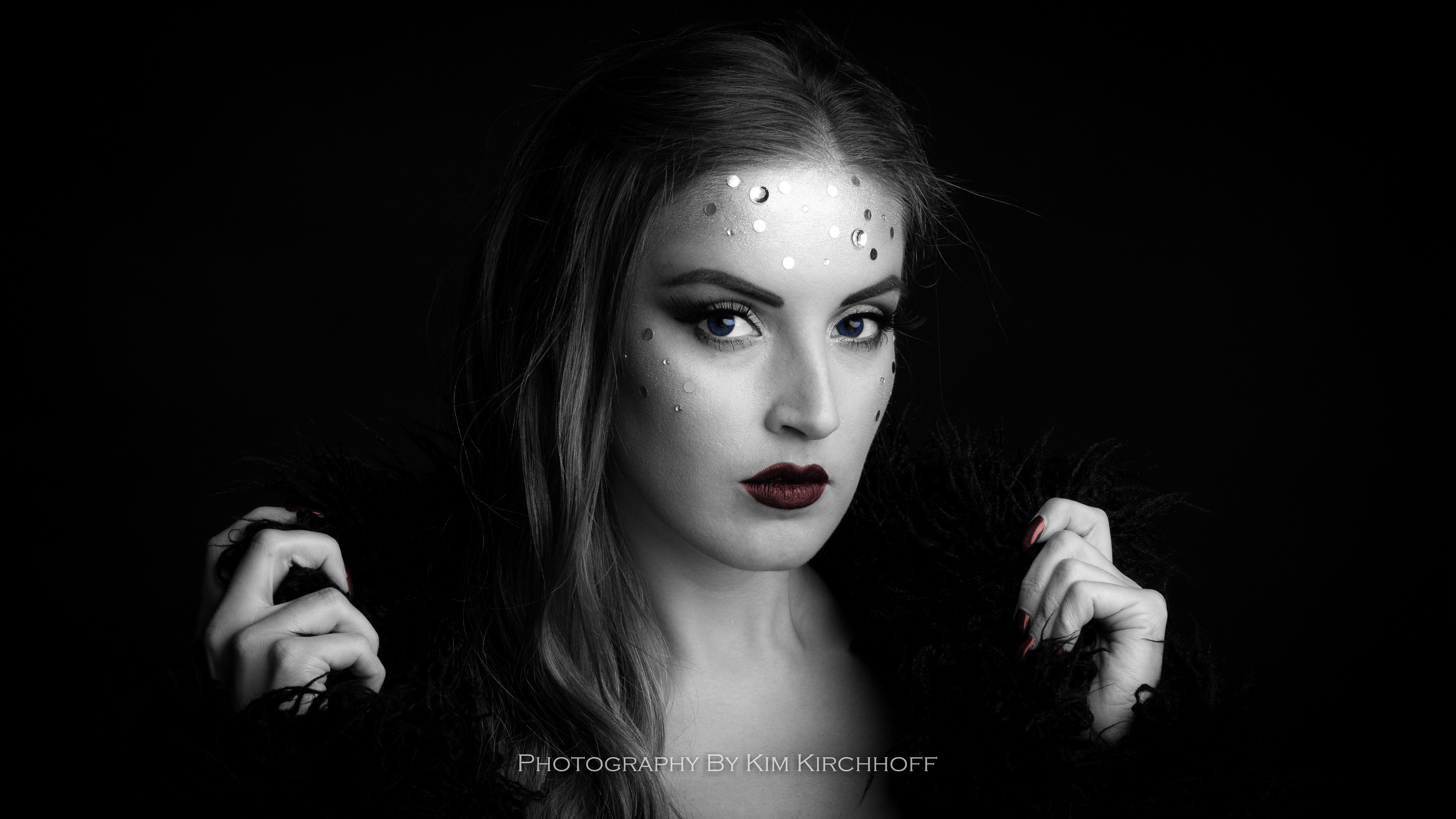 Isabella black and white beauty shot studio