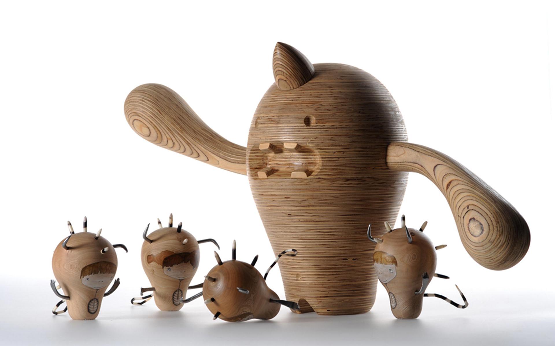 Rowan Toselli - Collective Creatures