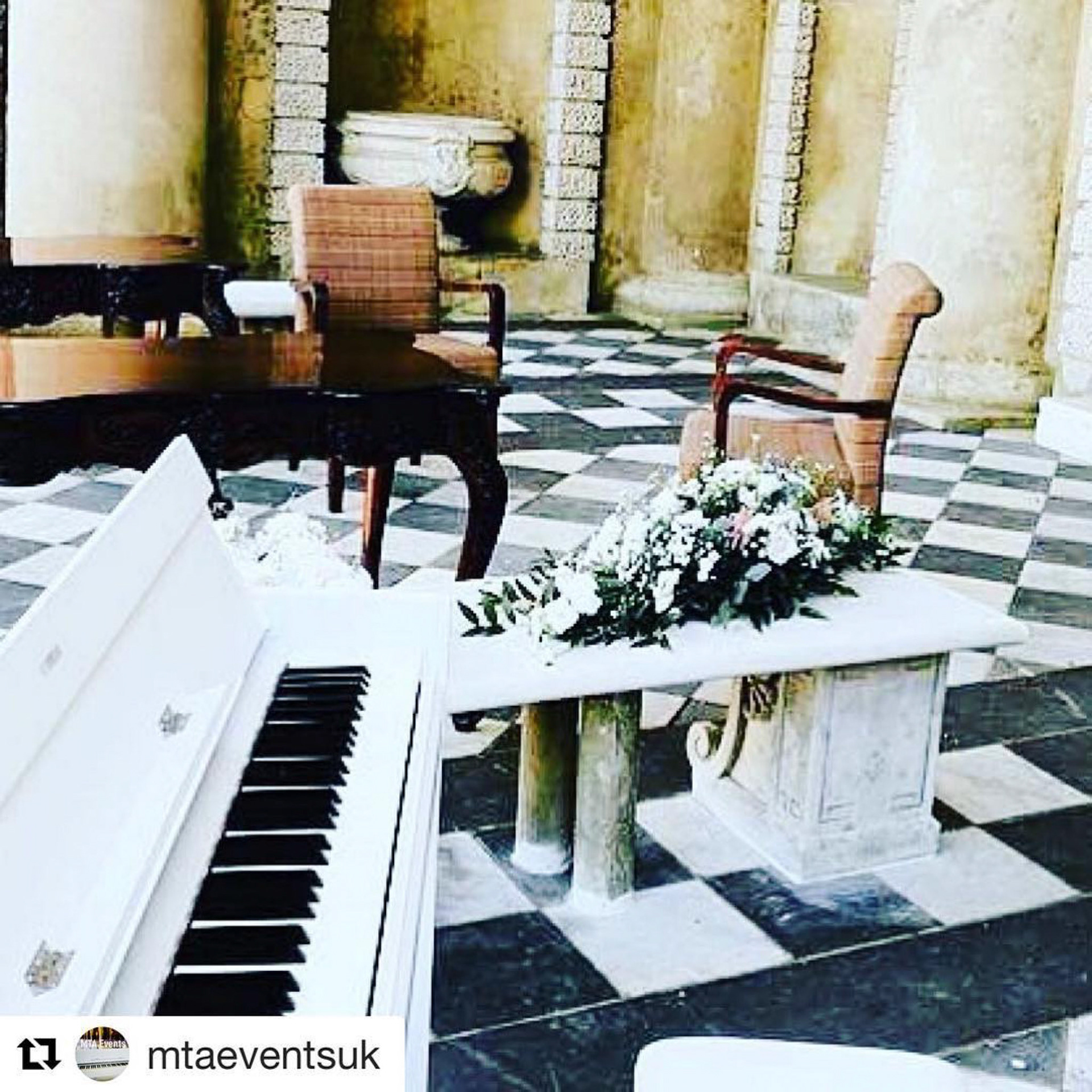 Wedding Pianist And DJ - Wedding Pianist