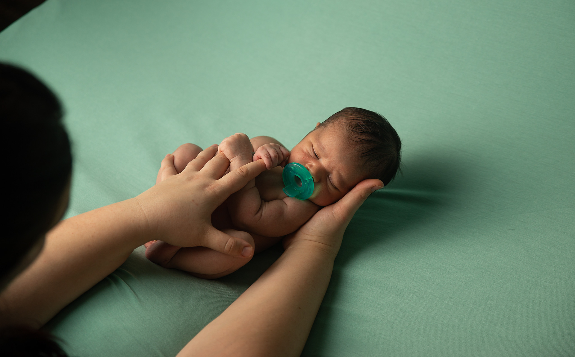 81f0eda773e2d The best time to photograph a newborn baby is when they are under two weeks  of age, after two weeks babies are a little harder to ...